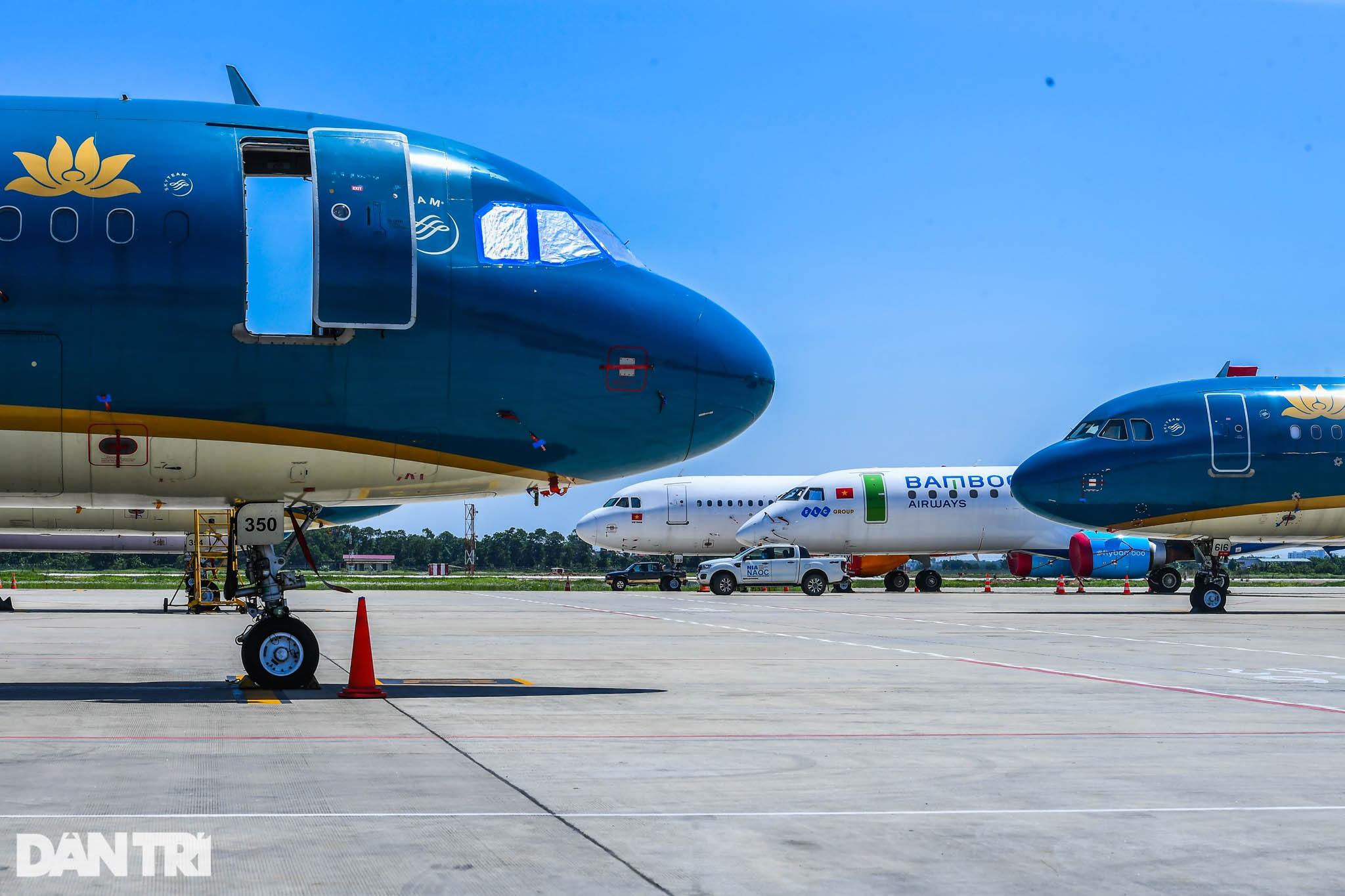 Ám ảnh hàng trăm tàu bay đắp chiếu nằm la liệt tại Nội Bài, Tân Sơn Nhất - 6