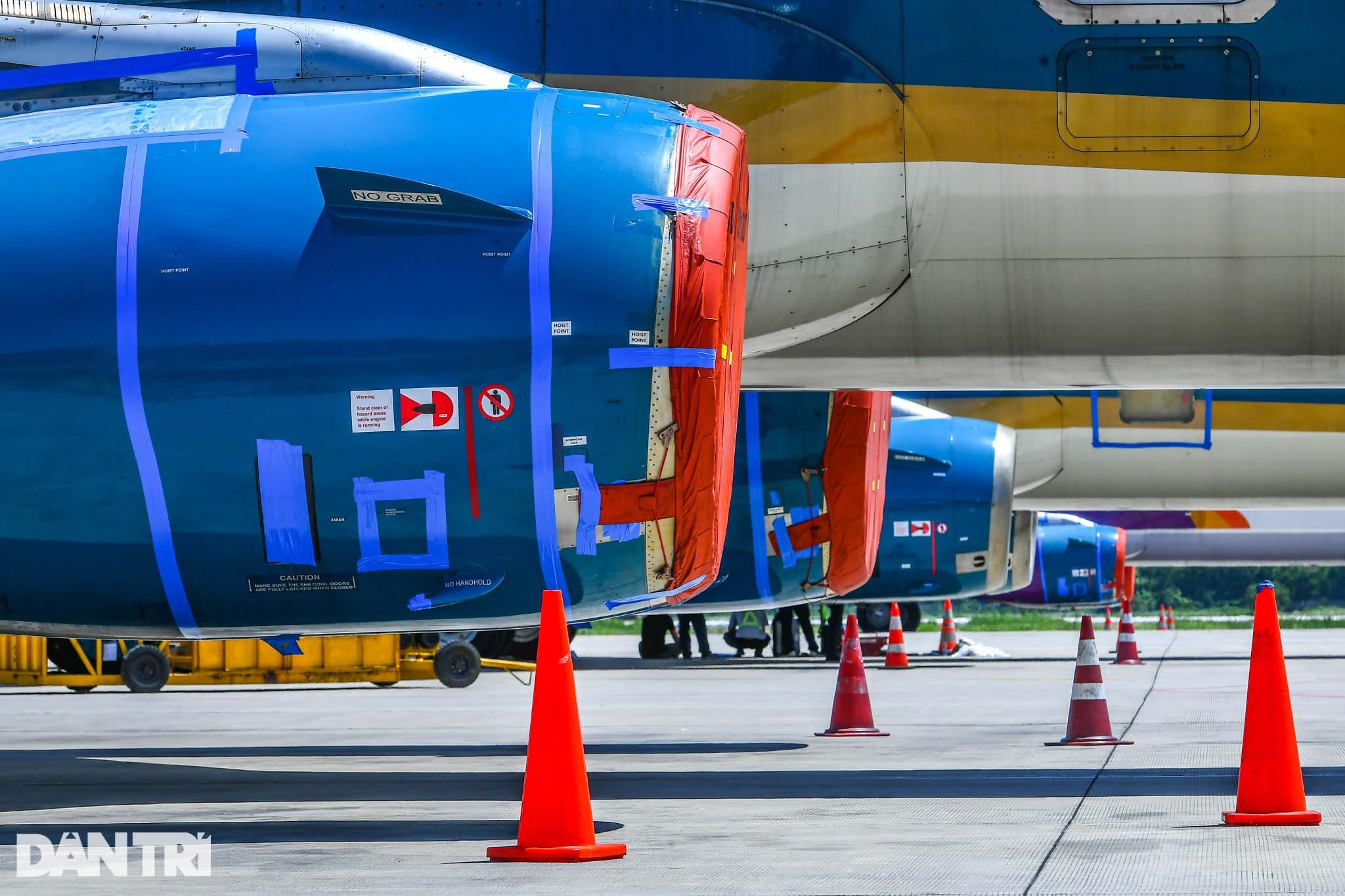 Ám ảnh hàng trăm tàu bay đắp chiếu nằm la liệt tại Nội Bài, Tân Sơn Nhất - 9