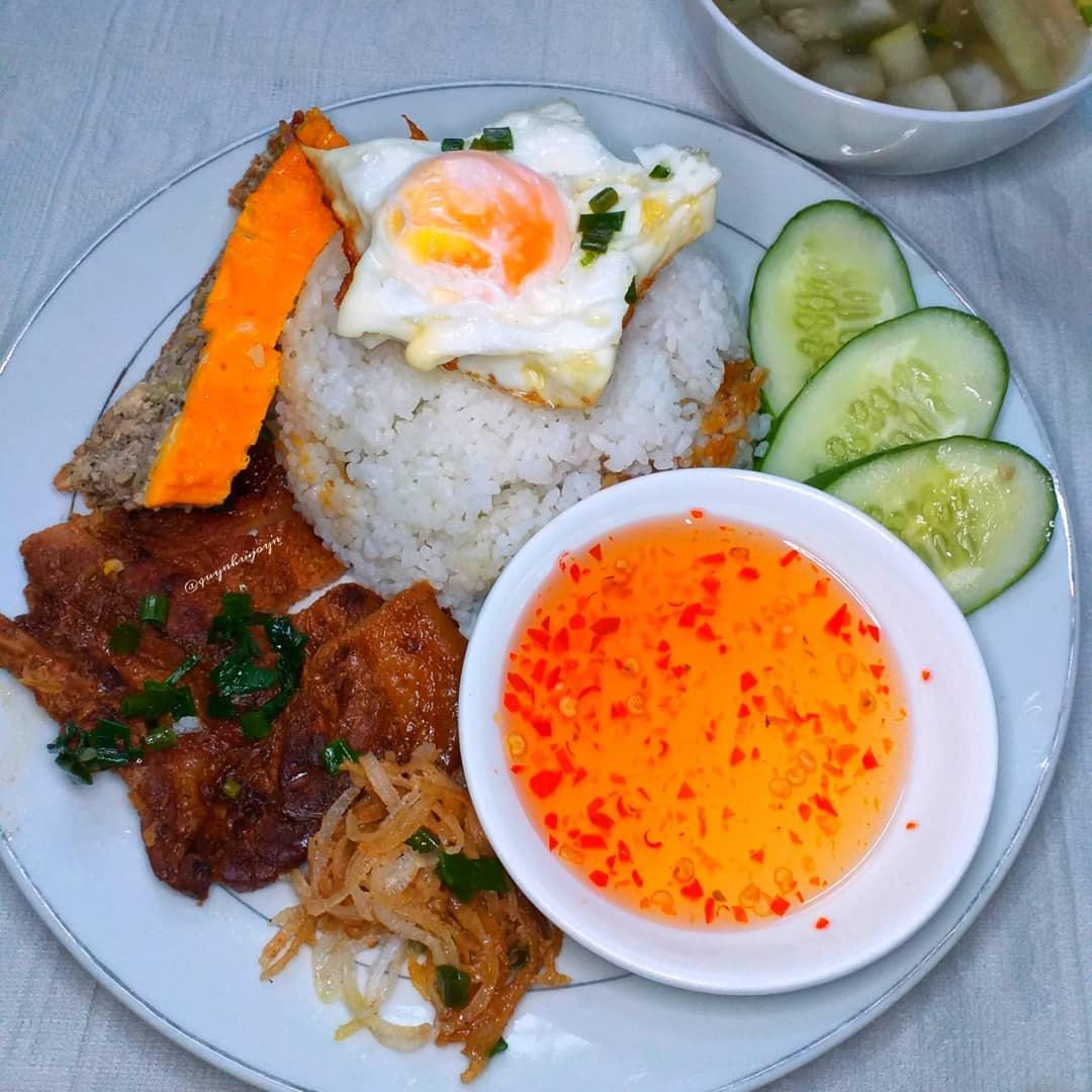 5 món cơm đặc sản nghe tên là biết ngon của Việt Nam - 1