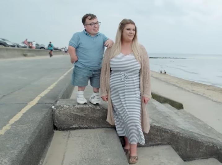Cặp đôi chồng lùn vợ cao lập kỷ lục Guinness thế giới - 1