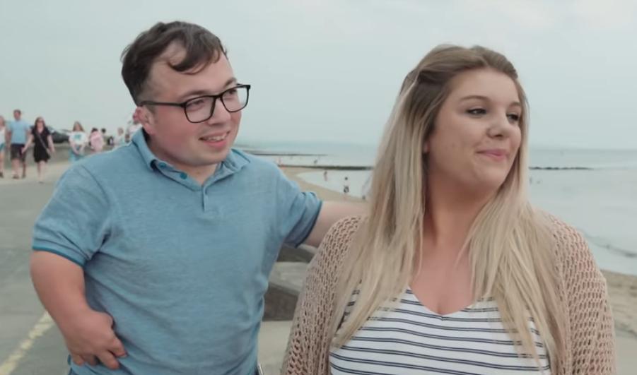 Cặp đôi chồng lùn vợ cao lập kỷ lục Guinness thế giới - 2