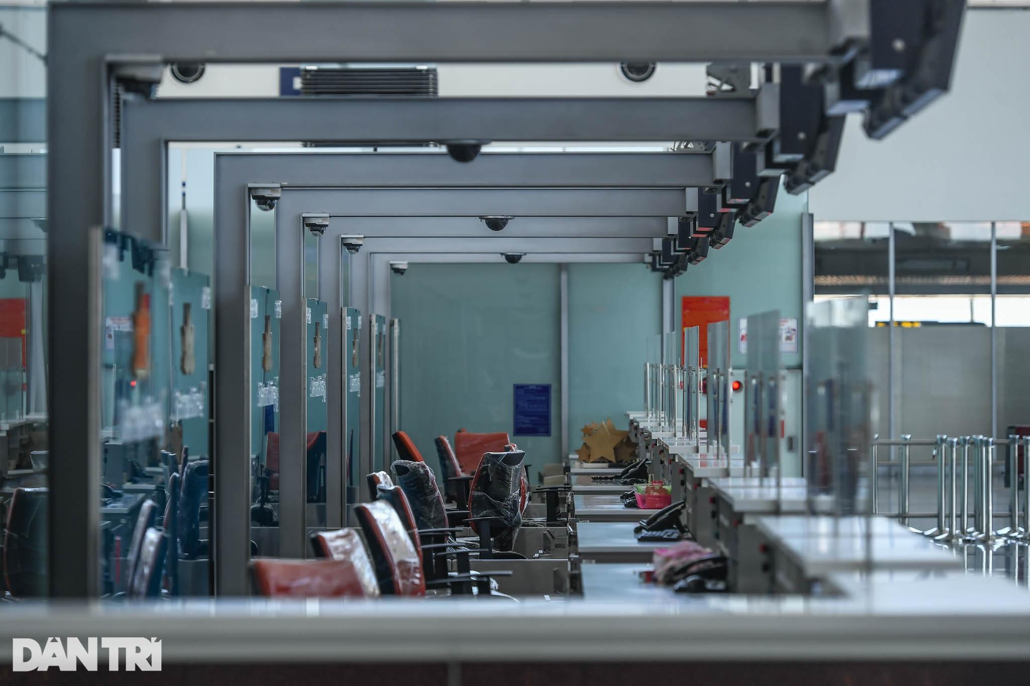 Cảnh tượng khác lạ tại ga quốc tế Nội Bài: Vắng lặng như bị bỏ quên - 4