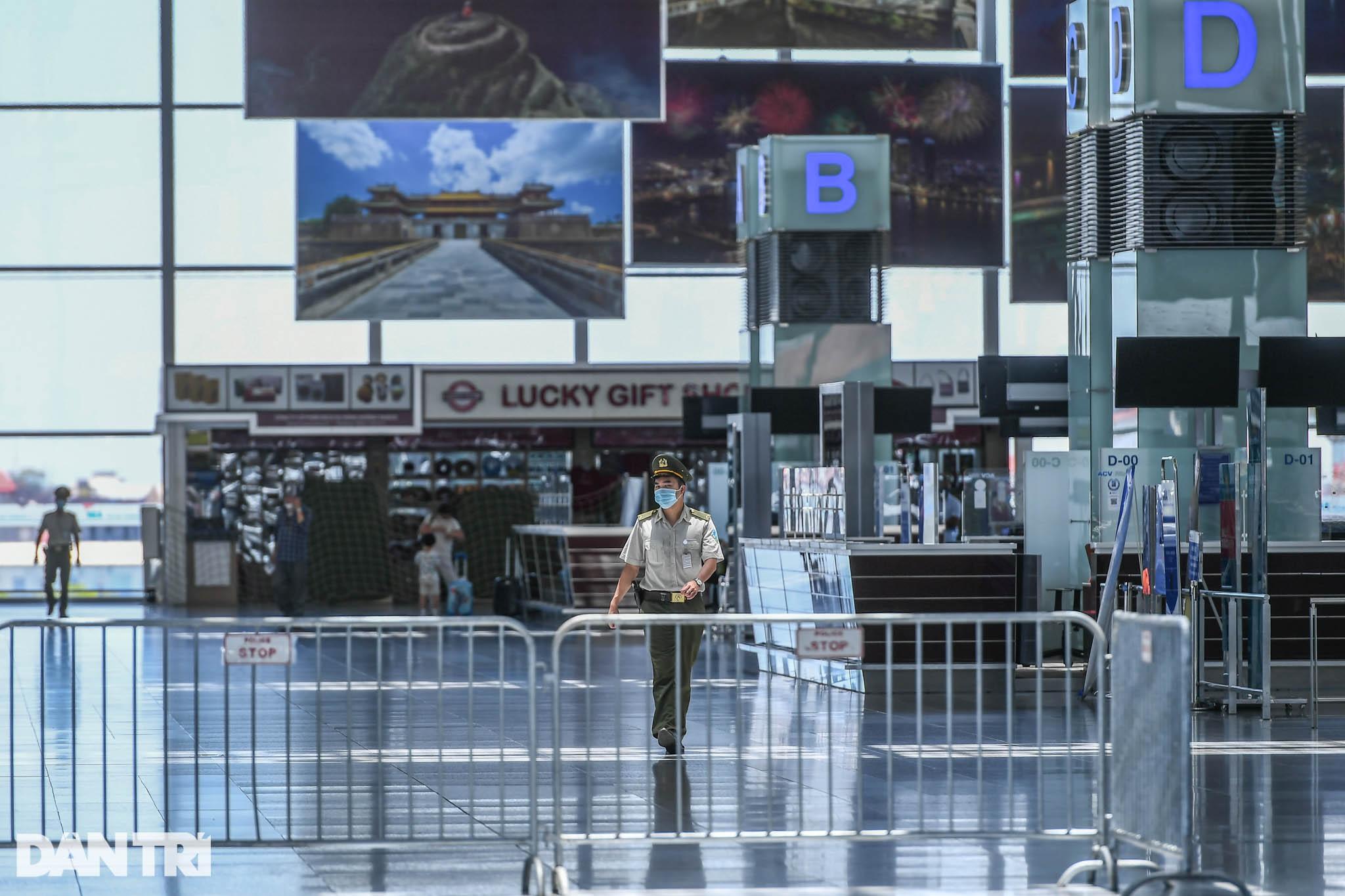 Cảnh tượng khác lạ tại ga quốc tế Nội Bài: Vắng lặng như bị bỏ quên - 5