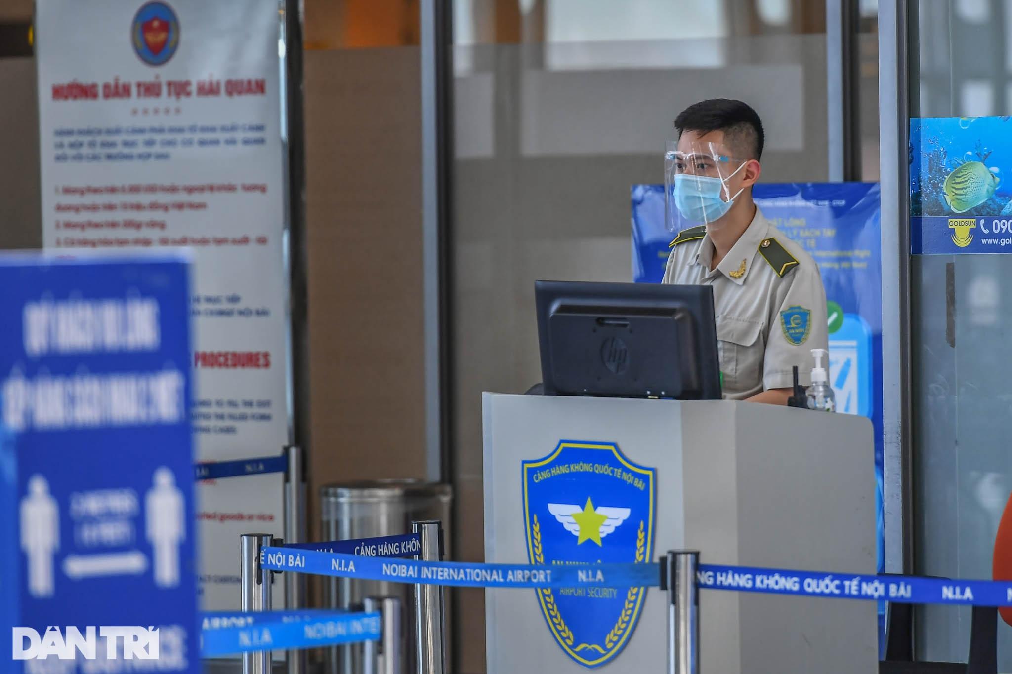 Cảnh tượng khác lạ tại ga quốc tế Nội Bài: Vắng lặng như bị bỏ quên - 7