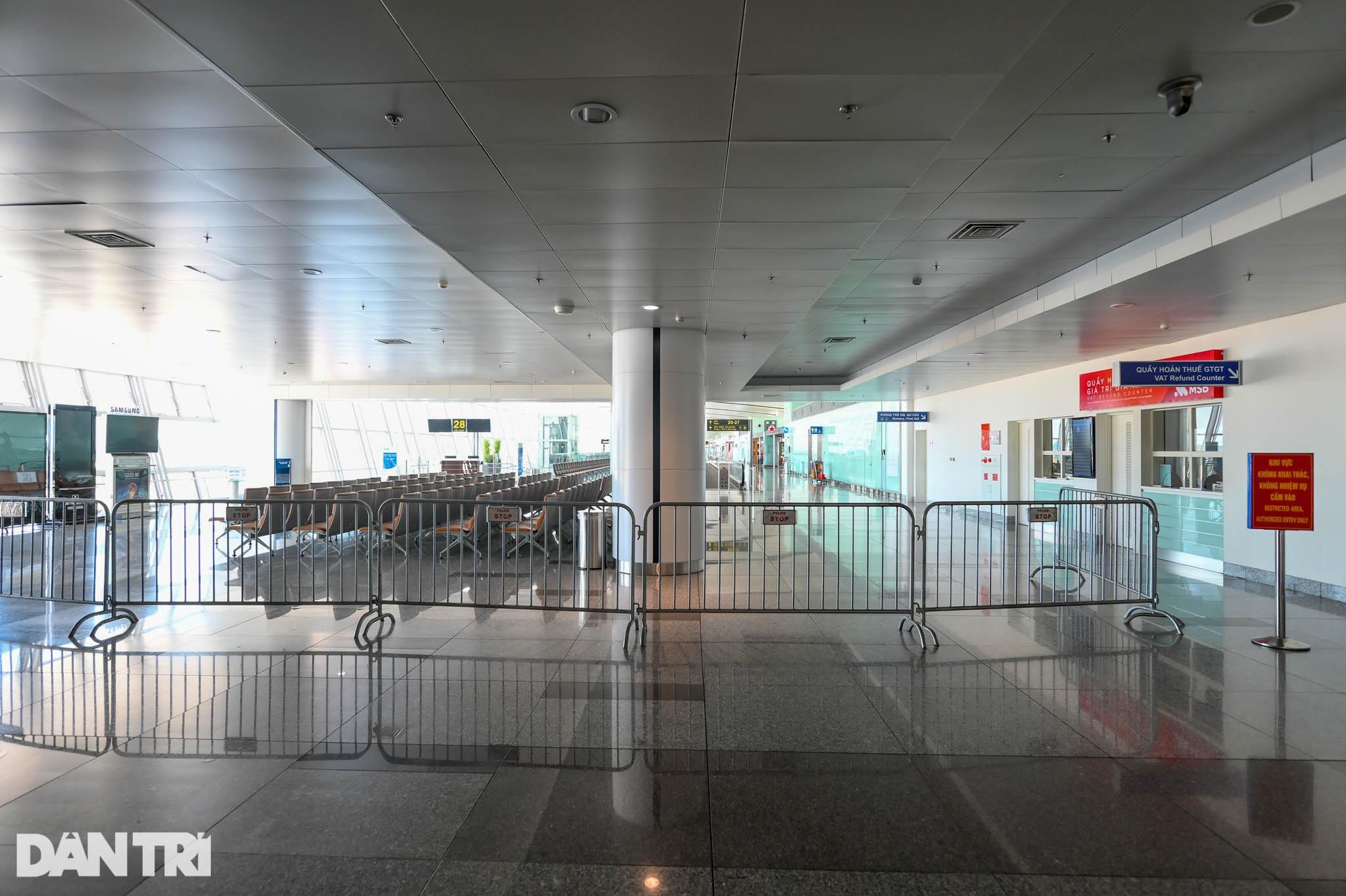 Cảnh tượng khác lạ tại ga quốc tế Nội Bài: Vắng lặng như bị bỏ quên - 10