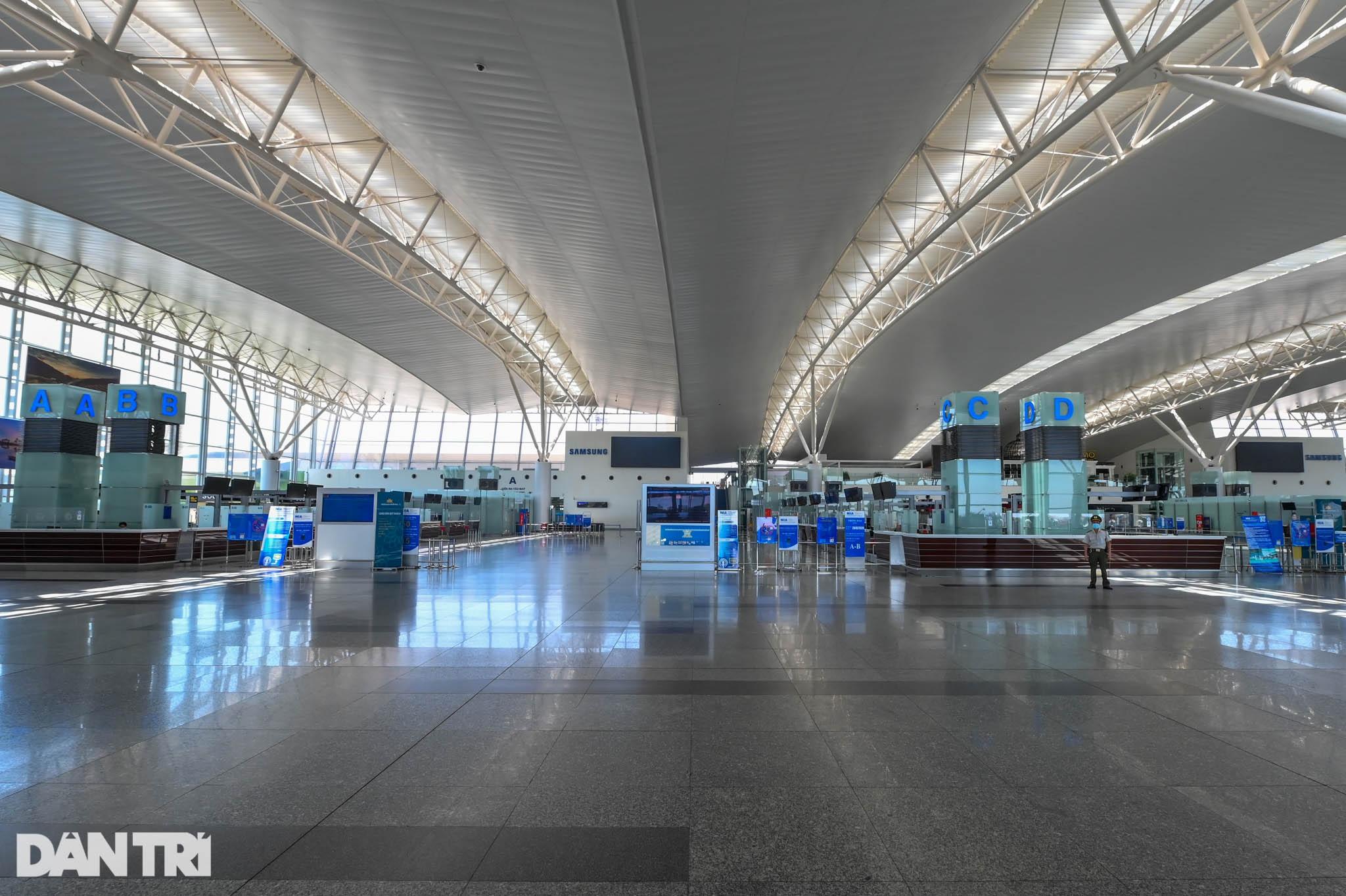 Cảnh tượng khác lạ tại ga quốc tế Nội Bài: Vắng lặng như bị bỏ quên - 2