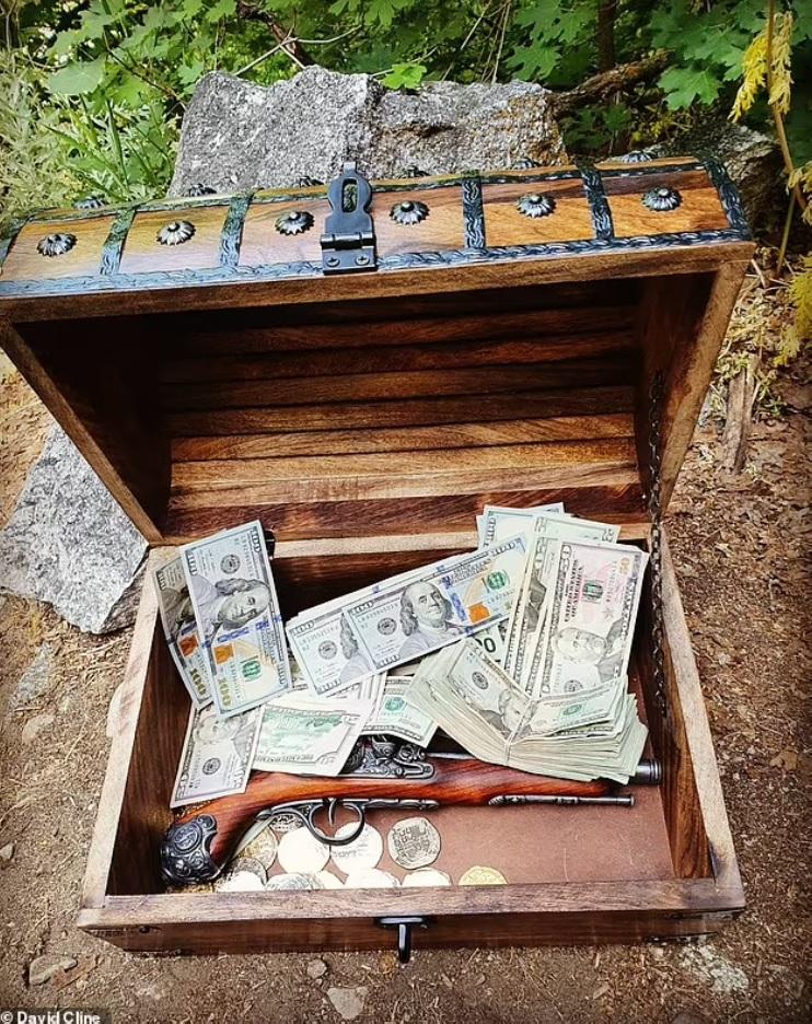 Du lịch ở Việt Nam khiến người đàn ông có cảm hứng đem chôn... 10.000 USD - 4