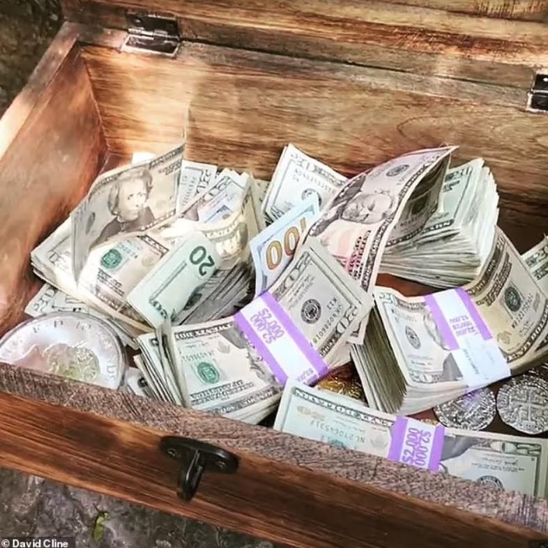 Du lịch ở Việt Nam khiến người đàn ông có cảm hứng đem chôn... 10.000 USD - 3