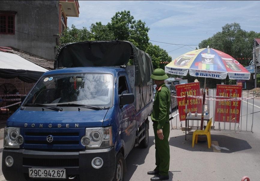 Một huyện ở Bắc Giang yêu cầu nhà dân cửa đóng then cài - 1