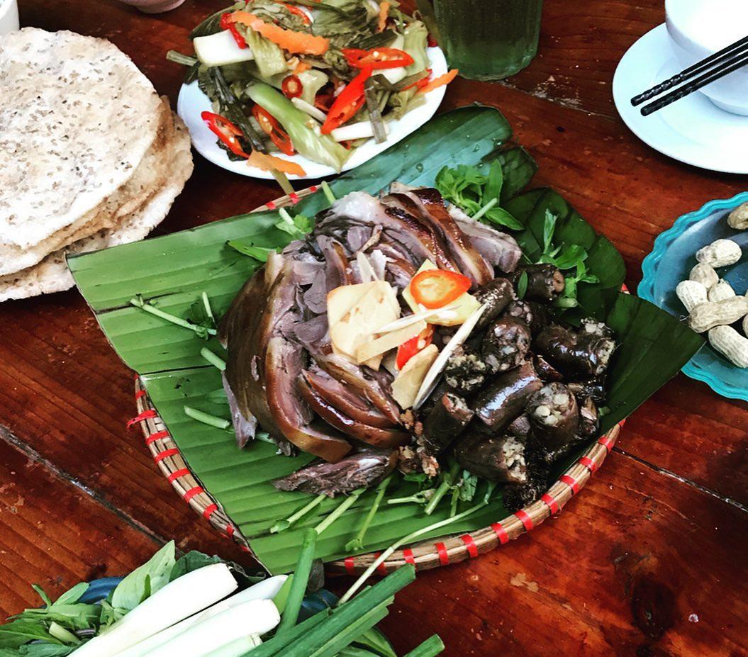 Những món ăn kinh dị nhất Việt Nam khiến khách Tây khóc thét - 5