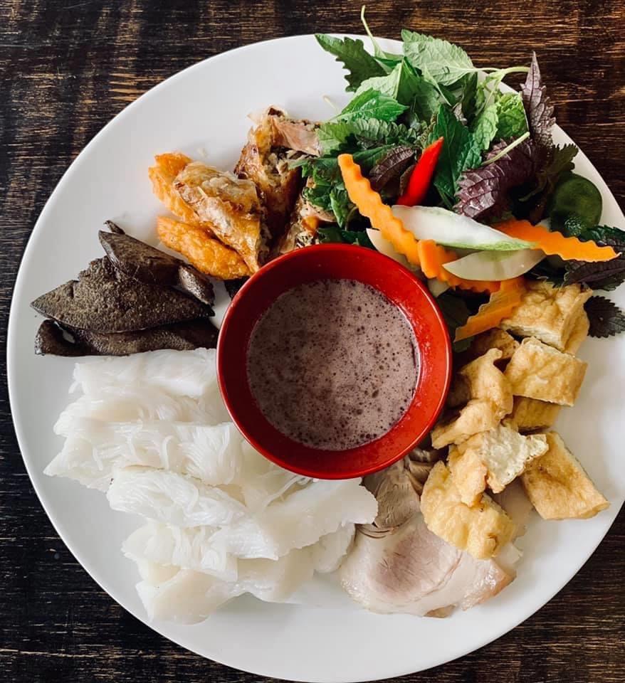 Những món ăn kinh dị nhất Việt Nam khiến khách Tây khóc thét - 4
