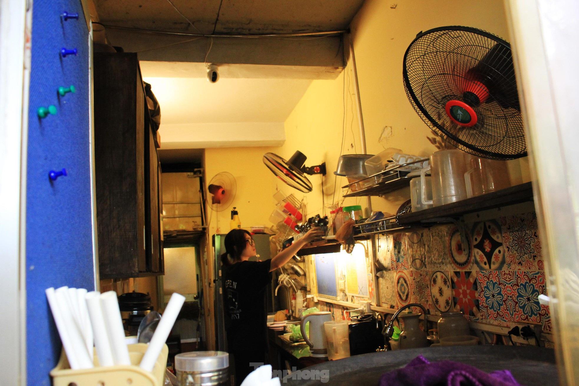 Nở rộ mốt cà phê chung cư - 12