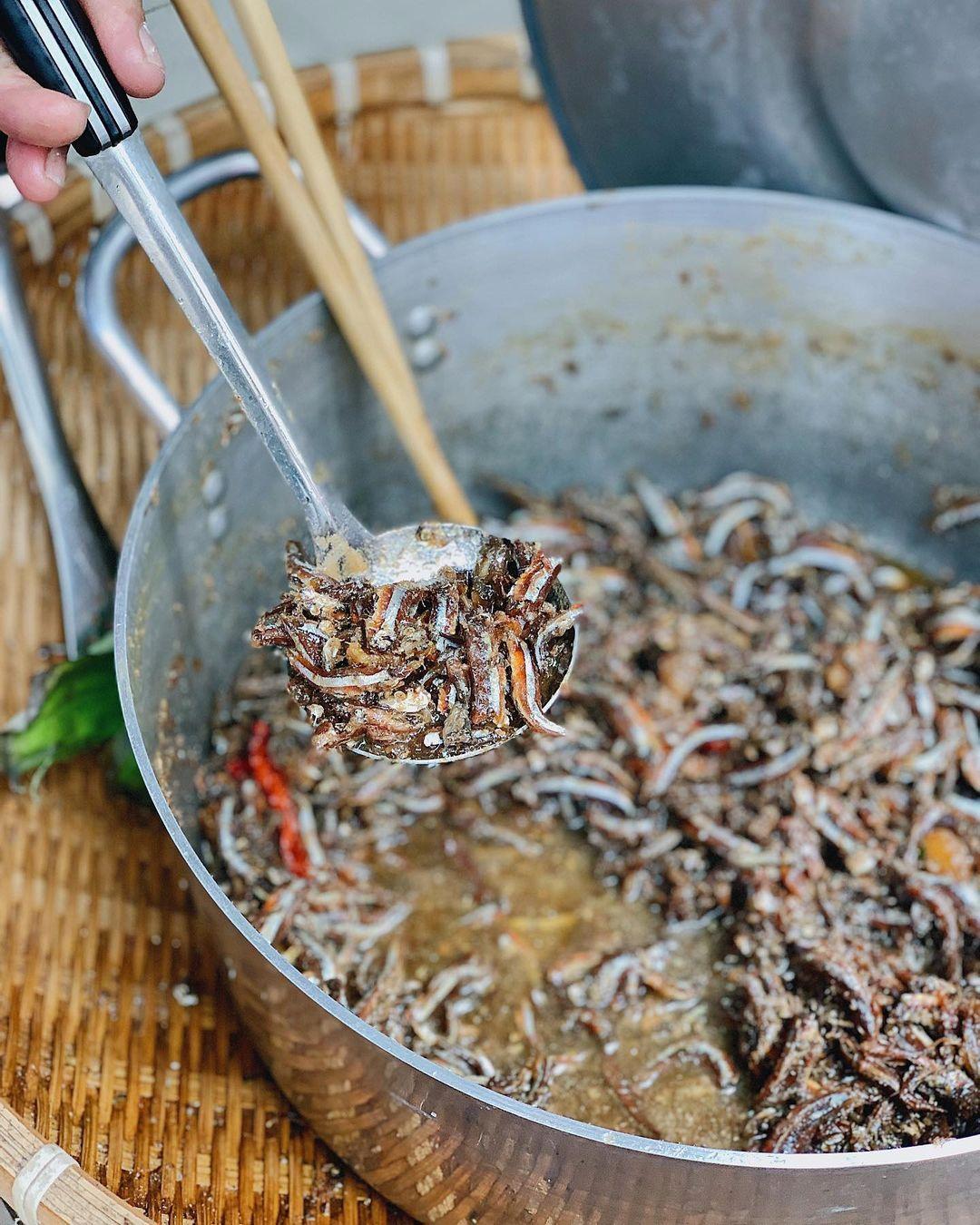 Món xôi nóng hổi ăn kèm của lạ, giá bình dân chỉ hơn cốc trà ở Nha Trang - 5