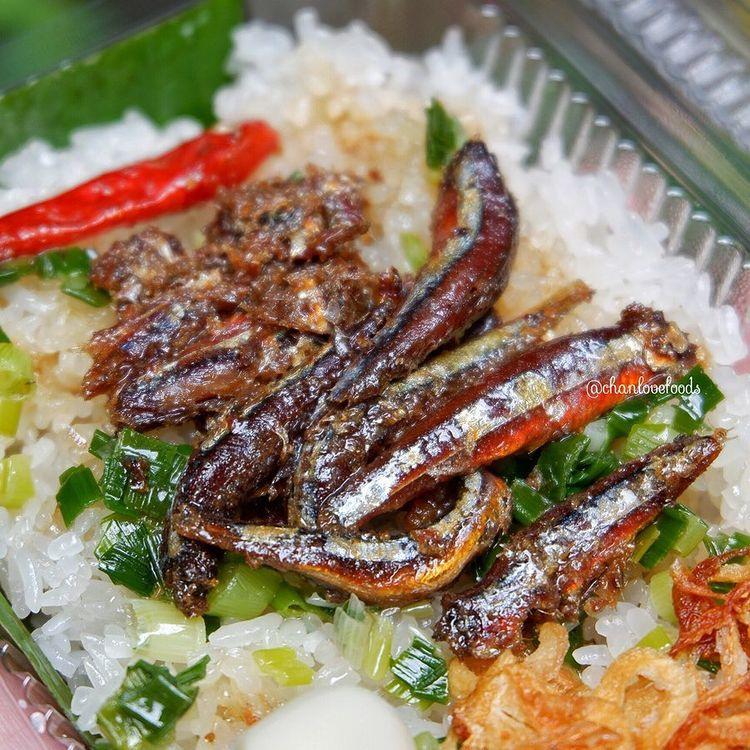 Món xôi nóng hổi ăn kèm của lạ, giá bình dân chỉ hơn cốc trà ở Nha Trang - 2