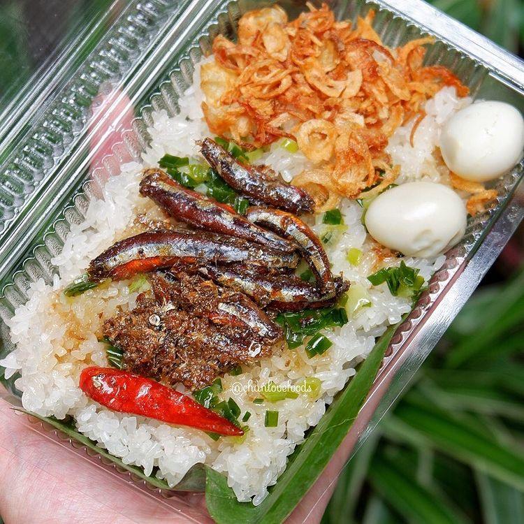 Món xôi nóng hổi ăn kèm của lạ, giá bình dân chỉ hơn cốc trà ở Nha Trang - 1