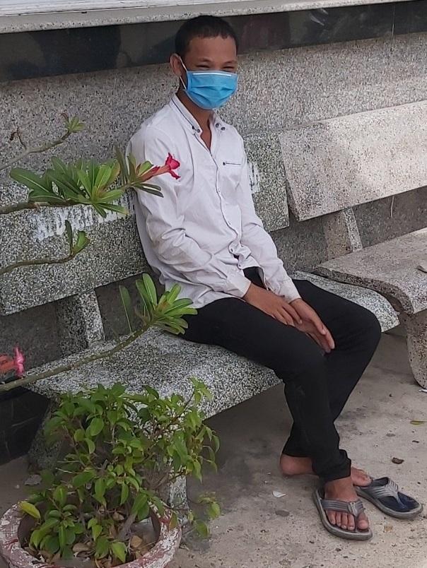 Thanh niên đạp xe hơn 800 km từ Bình Thuận về Huế, 3 ngày chỉ được ăn 4 bữa - 1