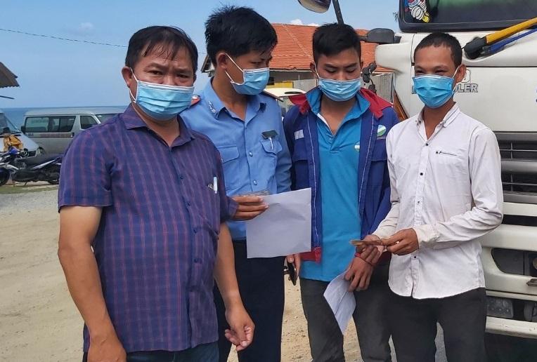 Thanh niên đạp xe hơn 800 km từ Bình Thuận về Huế, 3 ngày chỉ được ăn 4 bữa - 3