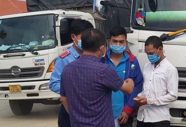 Thanh niên đạp xe hơn 800 km từ Bình Thuận về Huế, 3 ngày chỉ được ăn 4 bữa - 2