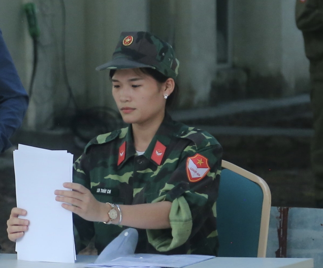 Nữ giảng viên quân sự dịu dàng chia sẻ về tình yêu màu xanh áo lính - 7