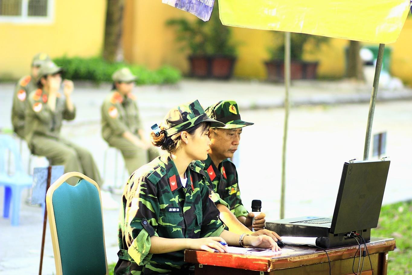 Nữ giảng viên quân sự dịu dàng chia sẻ về tình yêu màu xanh áo lính - 1