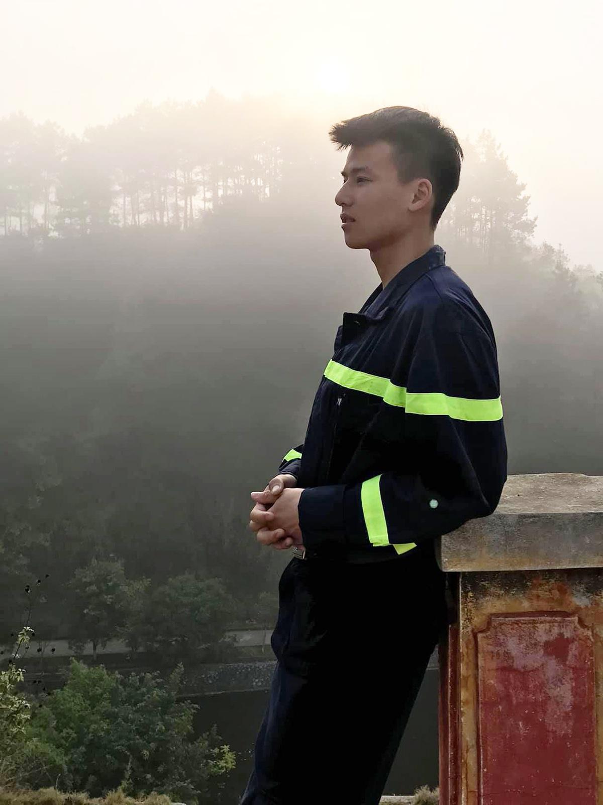 Cực phẩm lính cứu hỏa Lạng Sơn body 6 múi, thần thái như diễn viên - 4