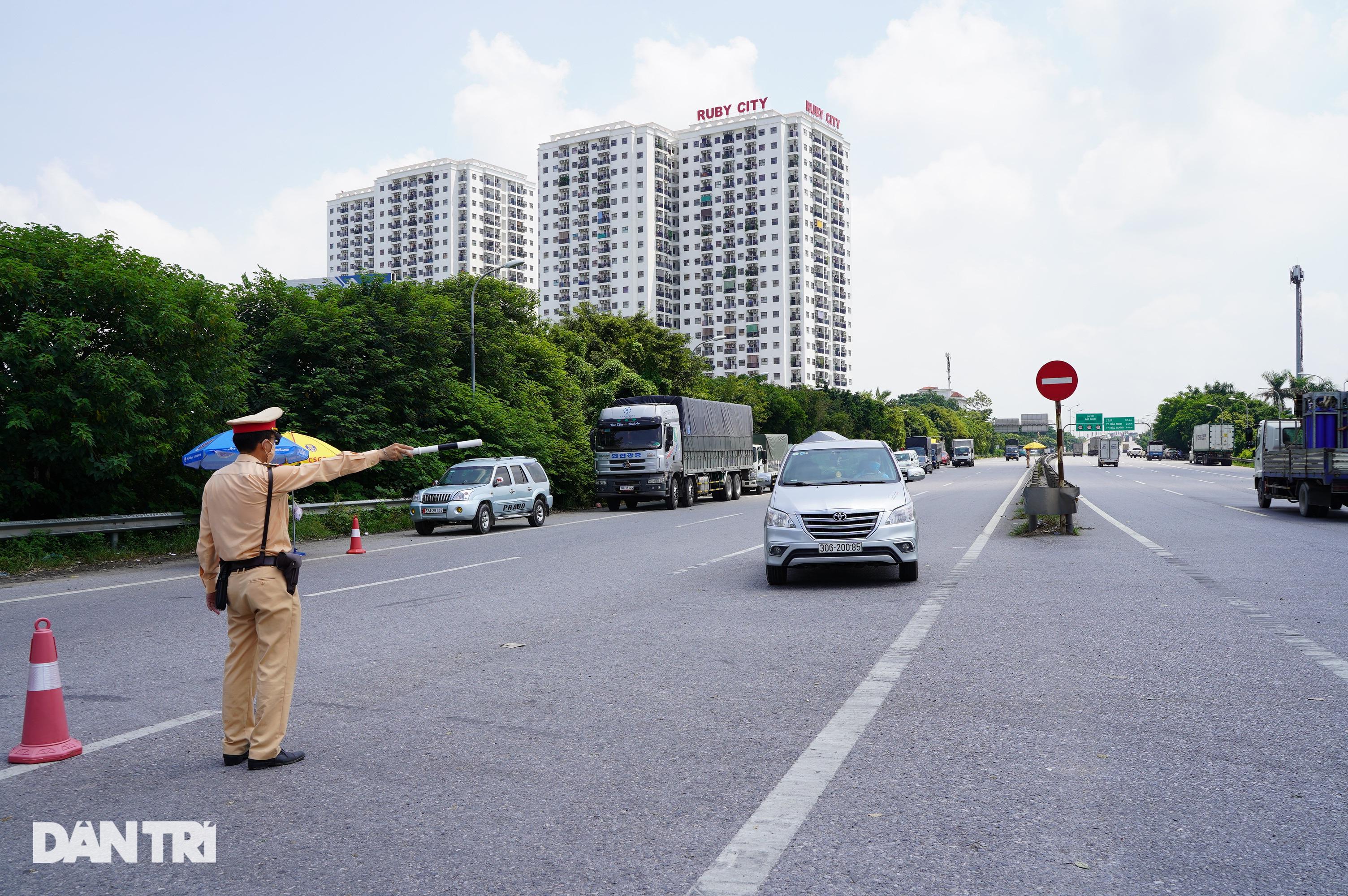 Tài xế bức xúc việc trả phí cao tốc khi phải quay xe không được vào Hà Nội - 8
