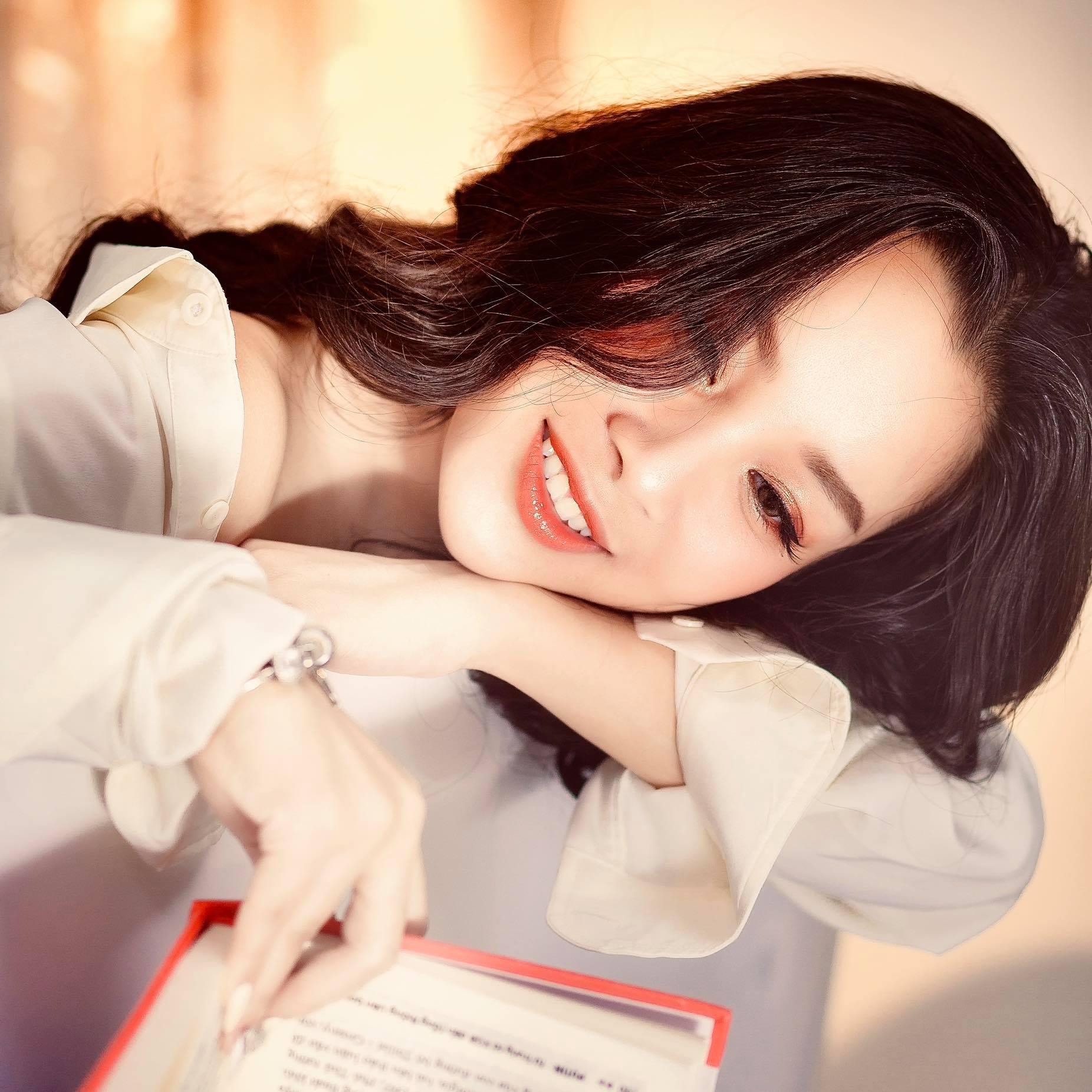 15 năm Nhật ký Vàng Anh, Minh Hương từ con hóa bạn gái NSND Mạnh Cường - 8
