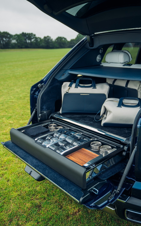 Khám phá tính năng dành cho dân phượt trên siêu xe Rolls-Royce - 3