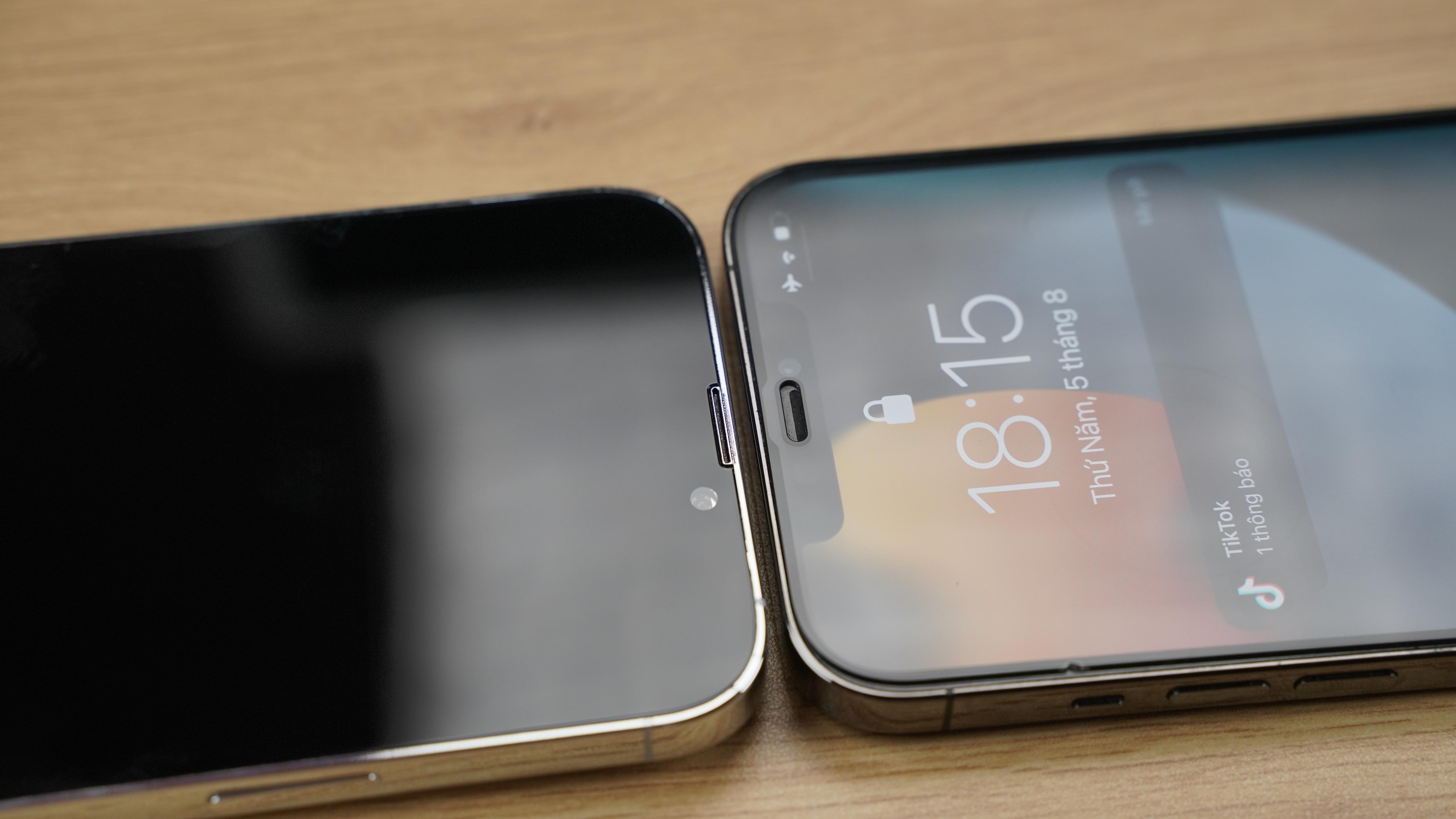 Cận cảnh mô hình 4 chiếc iPhone 13 tại Việt Nam - 8