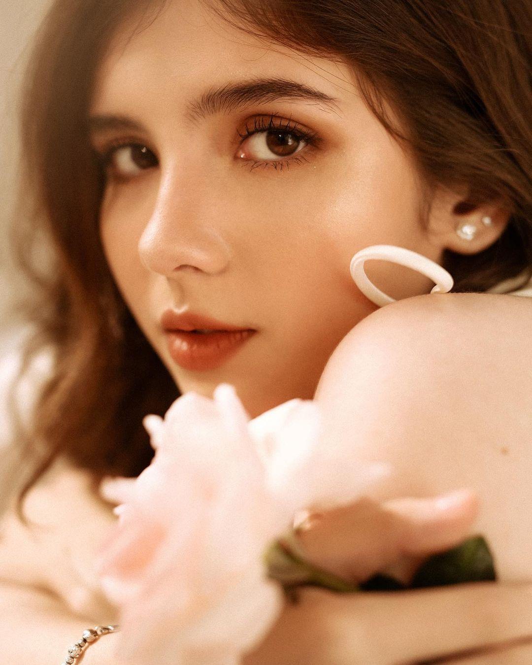 Bông hồng lai Việt - Úc đốn tim bao người vì nét đẹp ấn tượng - 5