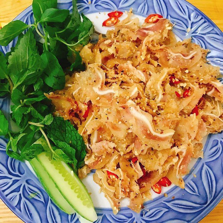 Món ăn miền Trung có tên gọi lạ, gói trong rơm khô hút khách sành ăn - 7