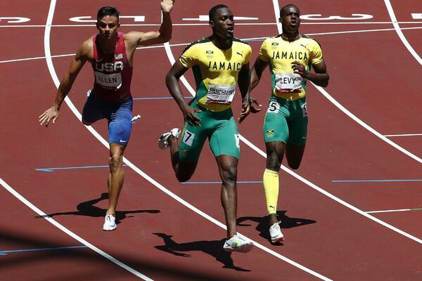 VĐV người Jamaica giành HCV Olympic nhờ được cho mượn... 2 triệu đồng - 1