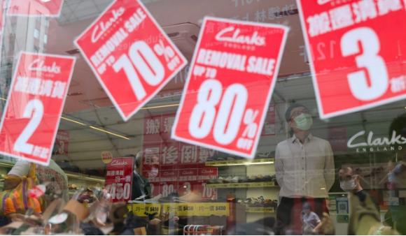 Hàng xóm làm khu miễn thuế, thiên đường mua sắm Hồng Kông bị đe dọa - 2