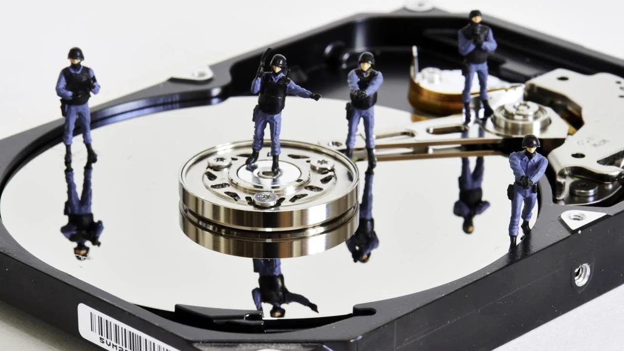 Cảnh sát Mỹ vô tình xóa 8TB dữ liệu bằng chứng các vụ án - 1