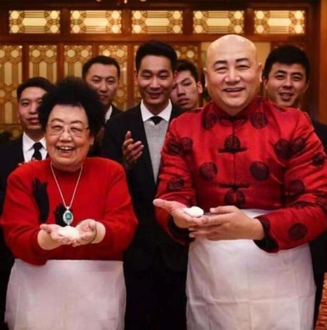 Ba nguyên tắc hôn nhân kỳ lạ của Đường Tăng Trì Trọng Thụy và vợ tỷ phú - 1