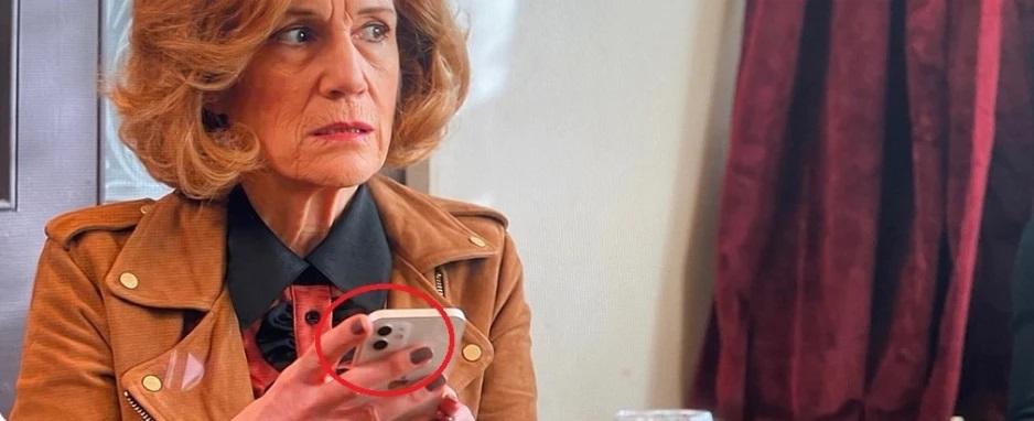 Chiếc iPhone bí ẩn xuất hiện trong series phim do Apple sản xuất - 3