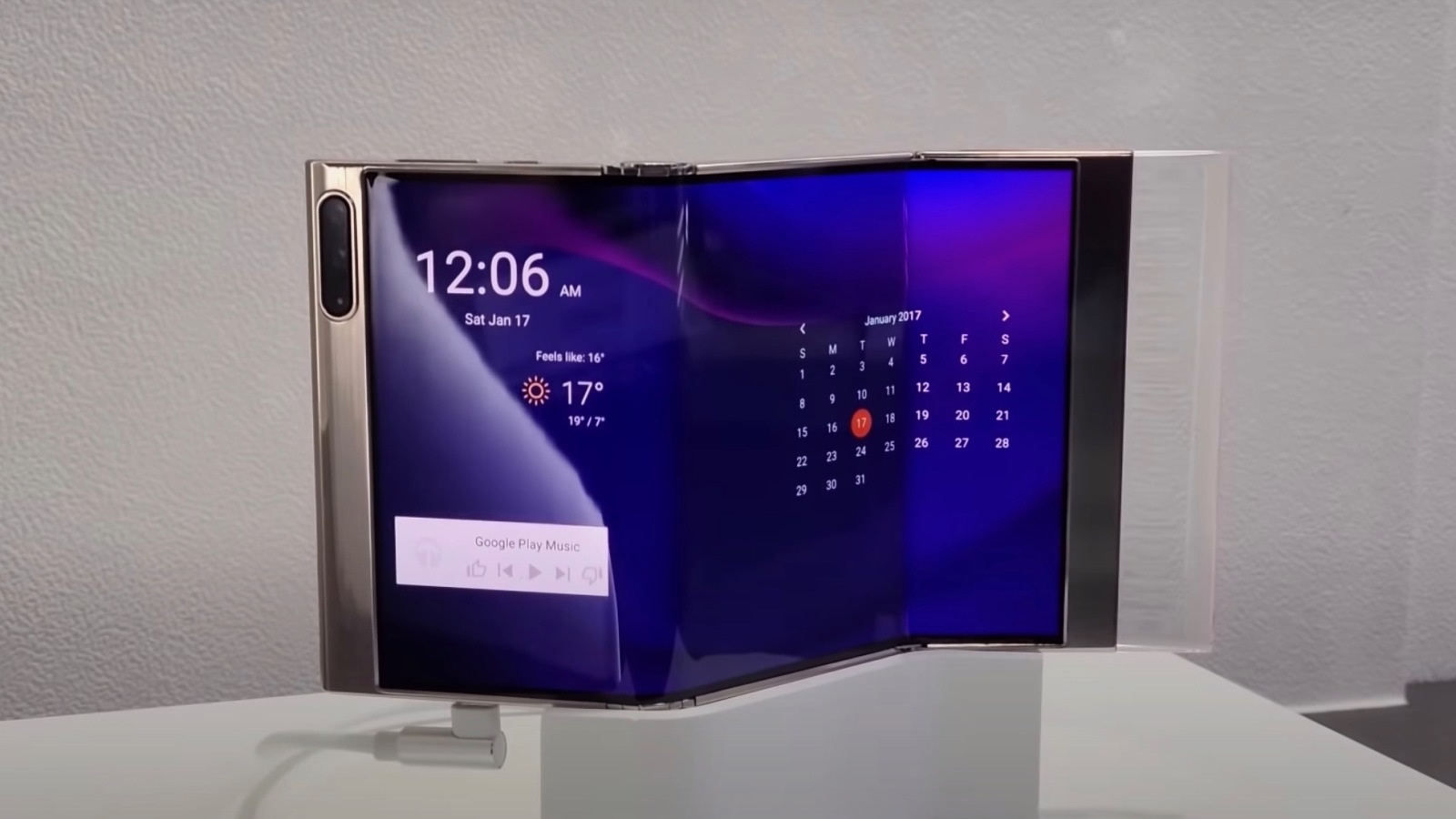 Cận cảnh chiếc smartphone màn hình gập 3 độc đáo của Samsung - 2
