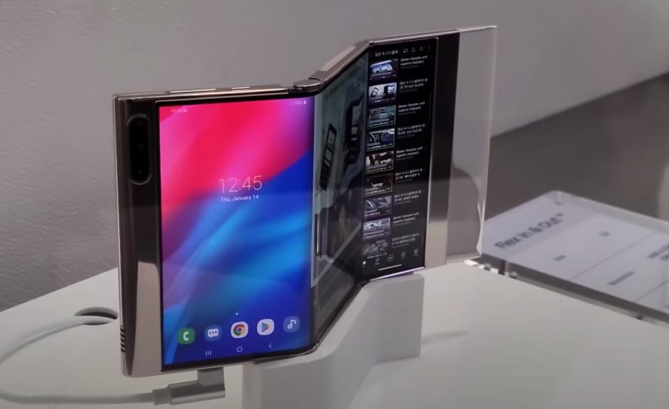 Cận cảnh chiếc smartphone màn hình gập 3 độc đáo của Samsung - 1