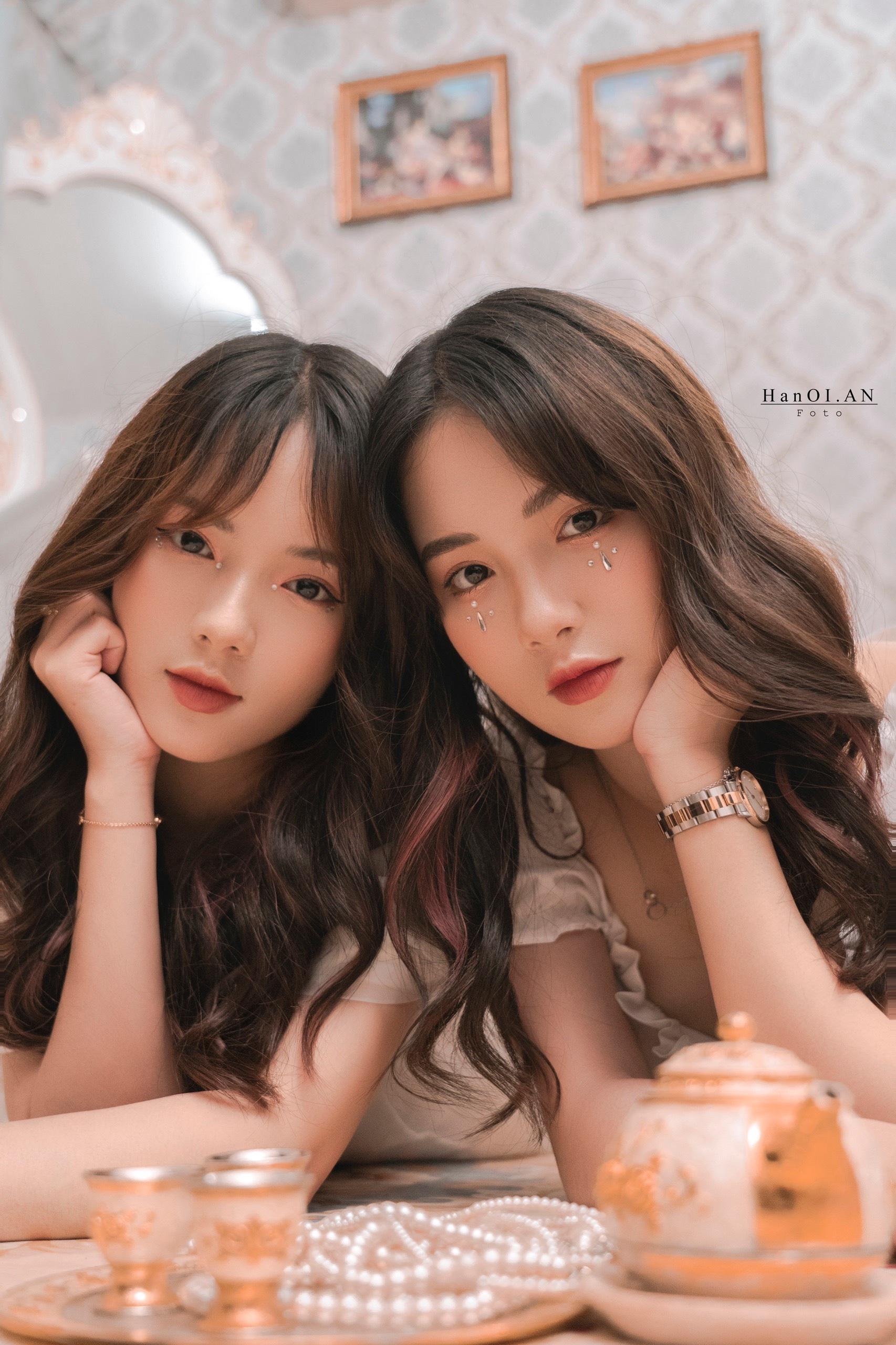Cặp chị em song sinh Hằng - Nga nổi tiếng ở Đại học Thương mại - 7