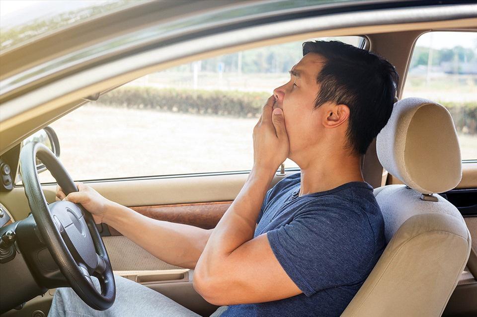 Lái xe khi buồn ngủ - Hiểm họa khôn lường nhưng tài xế Việt vẫn chủ quan? - 1