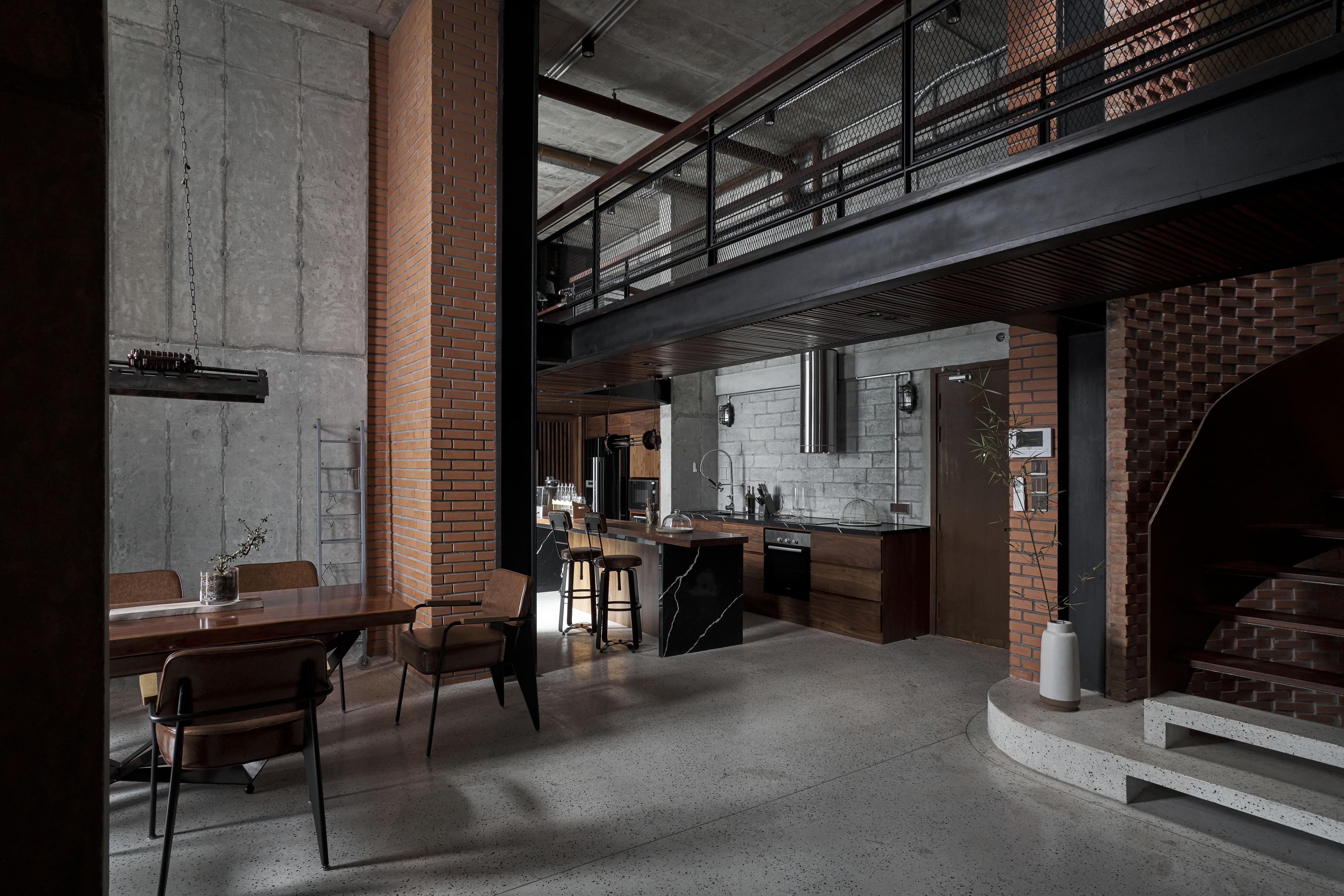 Căn penthouse ven Hà Nội gây choáng với vẻ hầm hố, đậm chất nghệ sĩ - 4