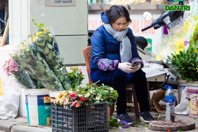 Cảnh vắng vẻ đìu hiu chưa từng có ở khu chợ sắm Tết của nhà giàu Hà Nội - 8