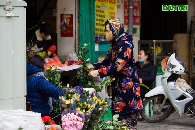 Cảnh vắng vẻ đìu hiu chưa từng có ở khu chợ sắm Tết của nhà giàu Hà Nội - 9