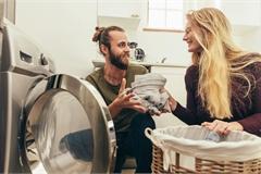 Khi đàn ông chia sẻ việc nhà, gia đình sẽ hạnh phúc hơn