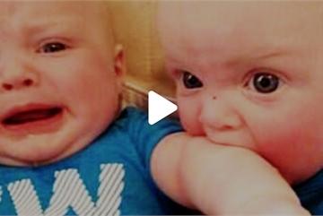 Clip hài hước của bé: 'Cuộc chiến sinh đôi'