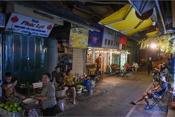 Hàng quán phố cổ thi nhau sang nhượng, Tạ Hiện cũng chung cảnh đìu hiu