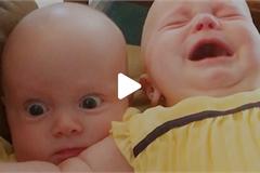 Những cảnh tượng chỉ thấy trong nhà có hai đứa sinh đôi