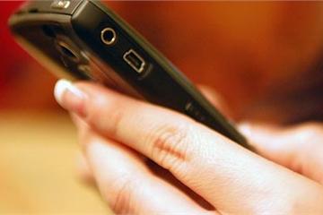 """Di động, tán gẫu qua mạng và hiểm hoạ """"sexting"""" với giới trẻ"""