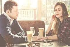Những dấu hiệu cho thấy bạn đang yêu sai người