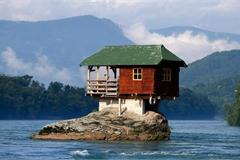Những ngôi nhà 'độc nhất vô nhị' trên thế giới